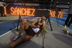 World record Felix Sanchez hurdles indoor
